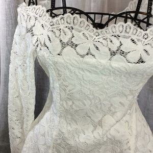 Tops - 🍷SALE NWT White Lace Off Shoulder BEAUTY L/S sz L